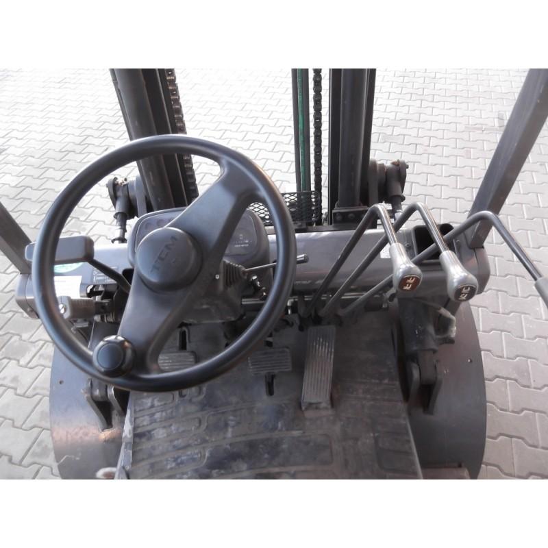 Motostivuitor TCM FD30Z5 3,0T - 3,3m